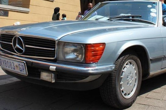 16-1983-Mercedes-Benz-280SL-convertible-(Sky-blue)