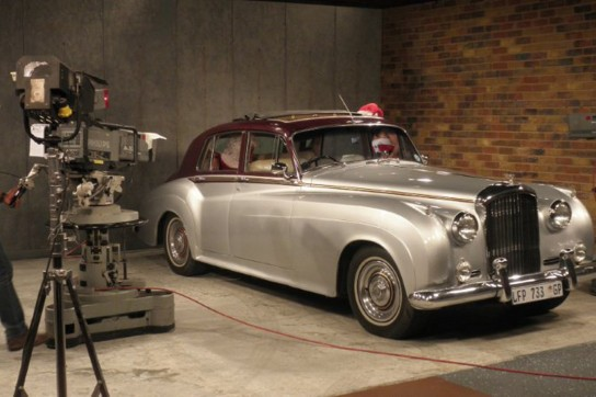 14-1962-Bentley-S2-(Silver-and-Burgundy)